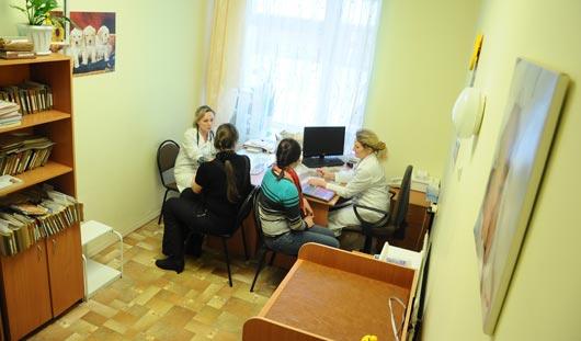 В кабинетах врачей одной из детских поликлиник Ижевска установили видеокамеры