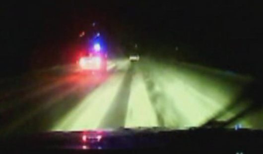 Полицейским Удмуртии пришлось стрелять по авто, чтобы остановить пьяного водителя