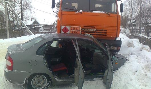 В аварии в Удмуртии пострадала автоледи