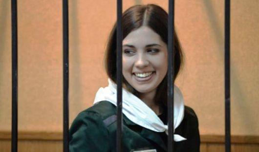 Освобожденная участница Pussy Riot займется защитой прав заключенных