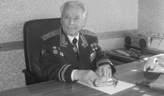 Личный водитель Калашникова: «Вместе с ним и машину толкать приходилось»