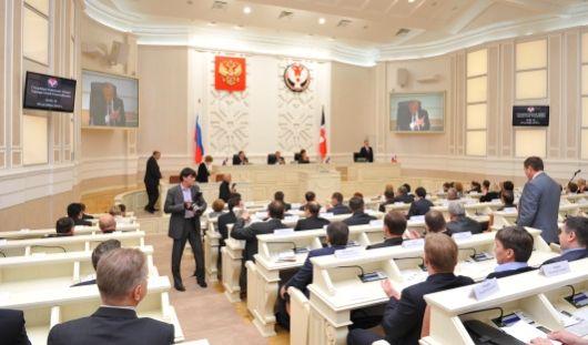 Депутаты Госсовета Удмуртии почтили память ушедшего конструктора минутой молчания