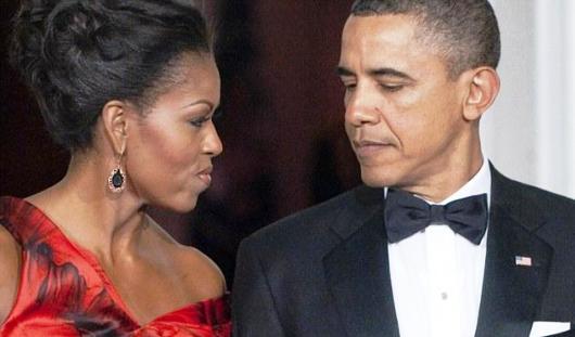 От Барака Обамы уходит жена