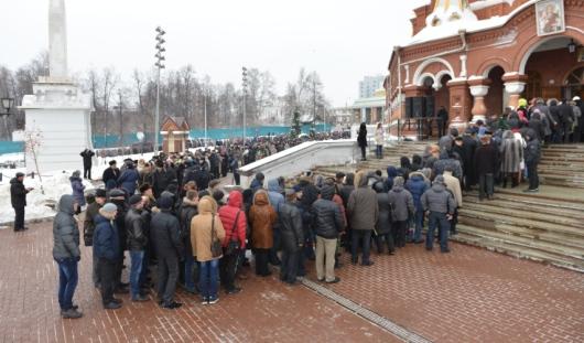 Около 10 тысяч человек пришли проститься с Михаилом Калашниковым в Ижевске