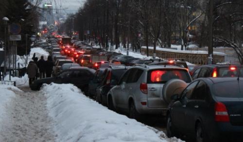 Михаила Калашникова увезли в аэропорт: Ижевск «парализовали» пробки