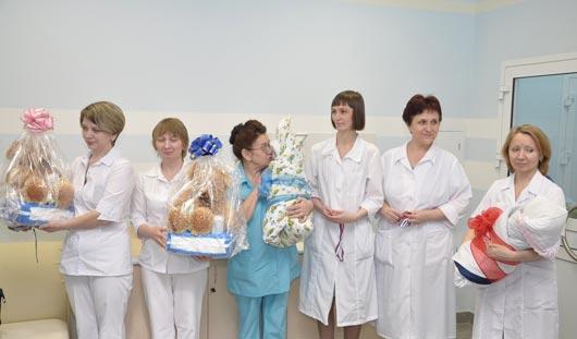 Примерно через 2 месяца в Ижевске родится первый ребенок, зачатый «в пробирке»