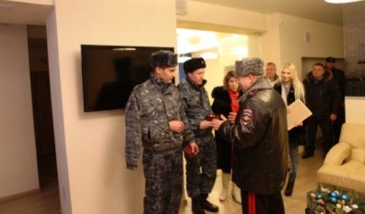 В Ижевск вернулись раненые в Дагестане полицейские
