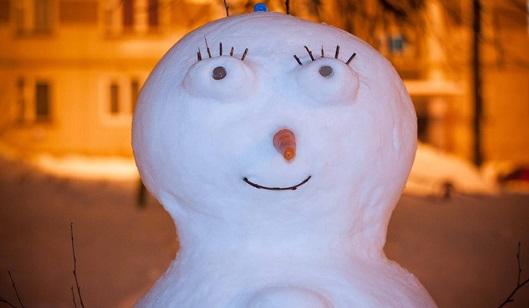«Снеговиколепие» и авто на велодорожках: о чем говорят в Ижевске этим утром