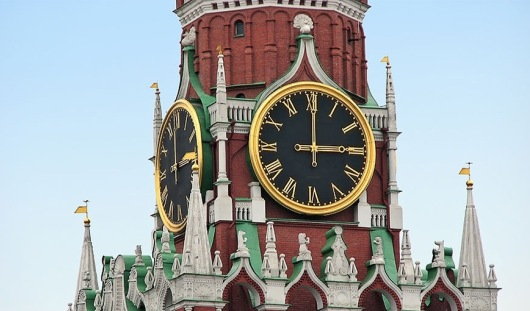 В правительстве России опровергли информацию о переходе на зимнее время