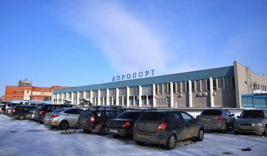 В аэропорту Ижевска запретили проносить в самолет любые жидкости