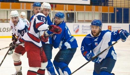 Ижевские хоккеисты выиграли у Твери со счётом 4:3