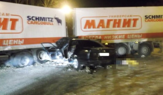 В Ижевске при столкновении фуры и BMW погиб человек