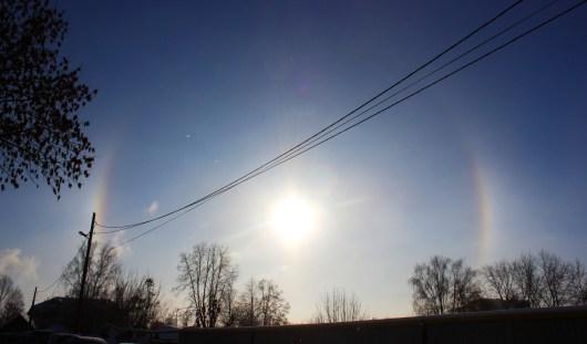 Фотофакт: в небе над Ижевском зависло гало