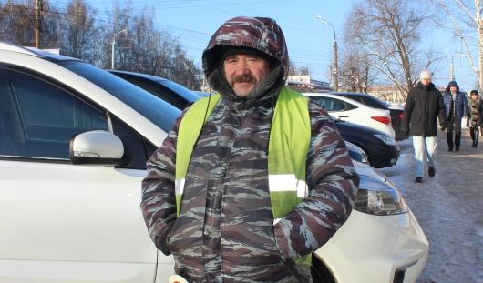 Горячий чай, несколько пар штанов и курток: как ижевчане спасаются от морозов