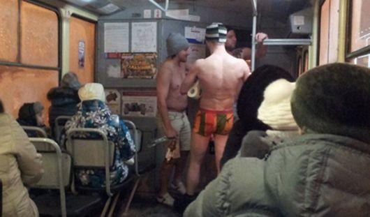 В трусах и в шапке: Зачем трое смельчаков бегали по Ижевску в нижнем белье?