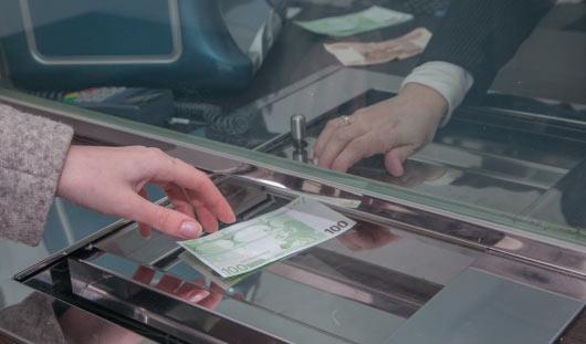 В ижевских банках исчезли очереди за валютой