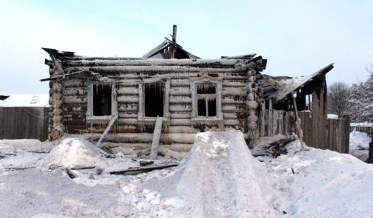Дядя 4 сгоревших в Удмуртии детей: «Увидел в доме маленькие ножки, и больше ничего не помню»