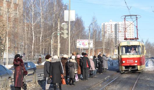 Почему в Ижевске закрыли пешеходную дорожку через диагностический центр?