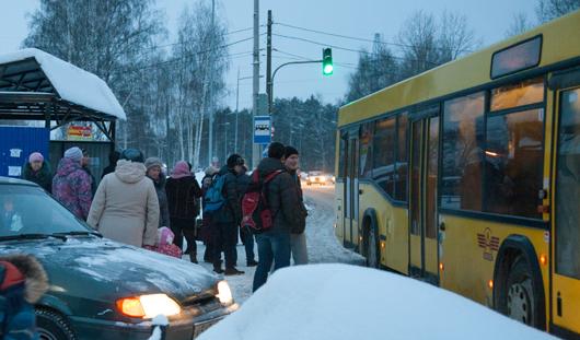 Под Ижевском рейсовый автобус сбил пешехода и врезался в ограждение