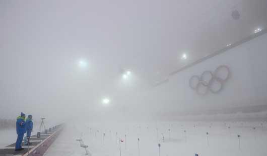 Мужской масс-старт в биатлоне и сноуборд-кросс на Олимпиаде в Сочи перенесли из-за плохой погоды