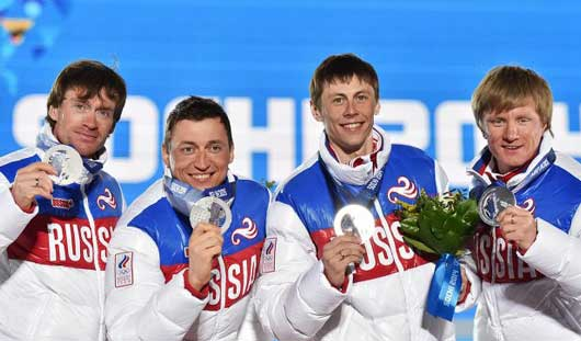 Лыжникам из Удмуртии Максиму Вылегжанину и Дмитрию Япарову вручили серебряные медали Олимпийских игр
