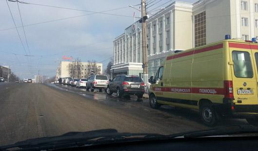Движение транспорта в центре Ижевска остановлено