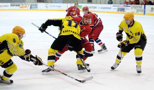 «Ижсталь» проиграла карагандинским хоккеистам