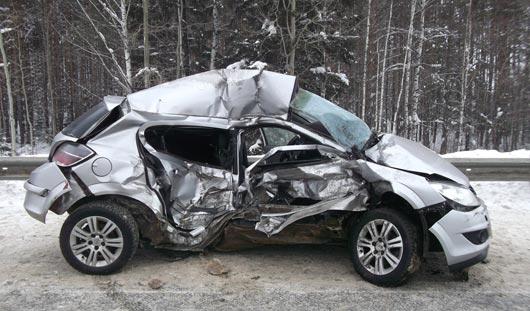 В Удмуртии в аварии погибла 33-летняя водитель иномарки