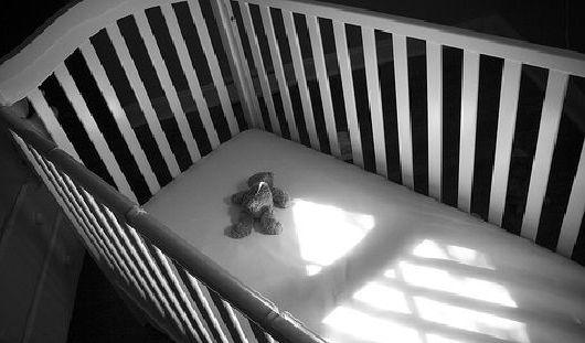 В Сарапуле пьяная мать придавила во сне грудного ребенка