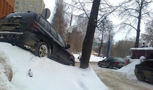 Ижевские дороги и матпомощь Украине: о чем сегодня утром говорят в Ижевске