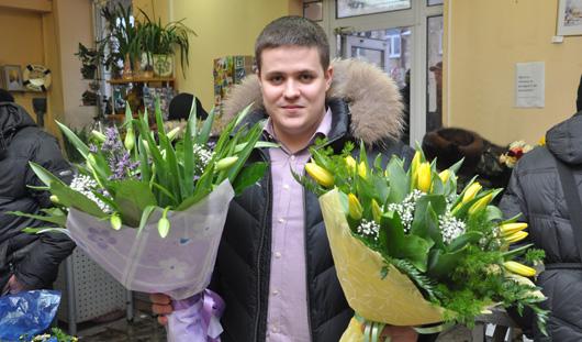 Цветы для любимой: как ижевчанам правильно подобрать букет на 8 марта