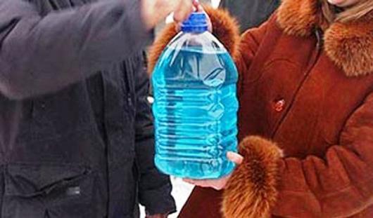 Житель Удмуртии продавал ядовитую «стеклоомывайку» по 100 рублей за бутылку