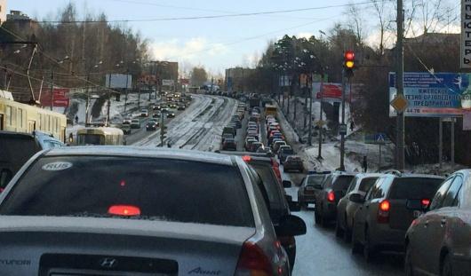 Новый режим работы светофоров около ипподрома в Ижевске вызвал недовольство горожан