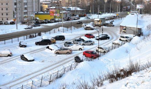 Власти Удмуртии раскритиковали создание муниципальных стоянок в Ижевске