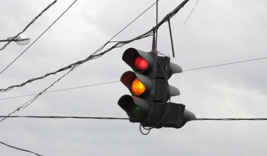 В Ижевске на перекрестке Чугуевского и Пушкинской сломался светофор