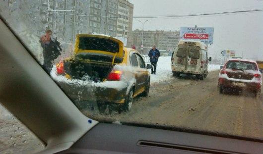 В Ижевске на пешеходном переходе сбили двух бабушек