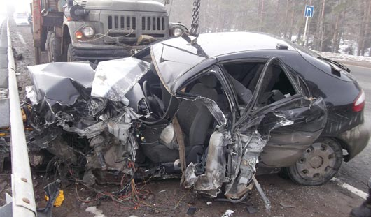 В Удмуртии погиб водитель легковушки, которая влетела в фуру