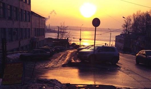 Проверка дорог и санкции против Америки: о чем сегодня утром говорят в Ижевске