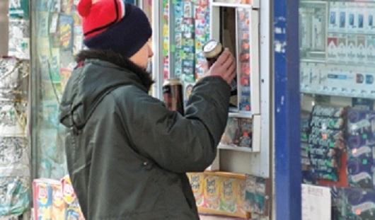 В Ижевске продавец киоска неоднократно продавала алкоголь подросткам