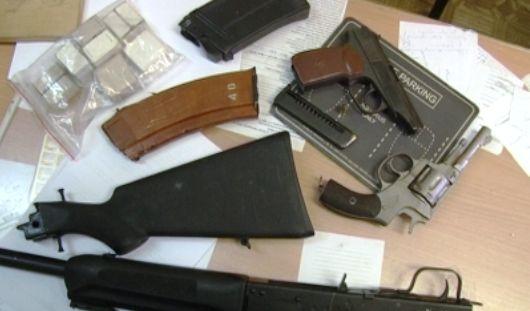 В Ижевске поймали вора-домушника с арсеналом оружия