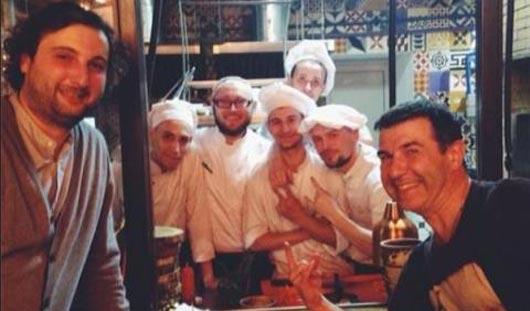 Фотофакт: Евгений Гришковец в ижевском ресторане поел на 8 тысяч рублей