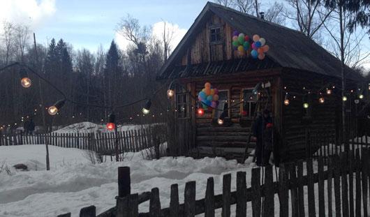 Стол из снега и дом на окраине: как Первый канал снимал свадьбу в пригороде Ижевска