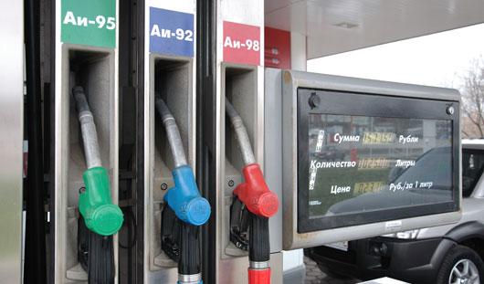 В Ижевске бензин подорожал почти на 10 копеек за литр