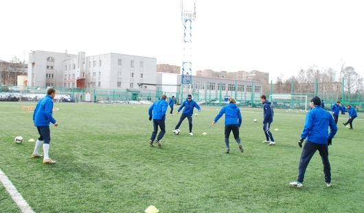 Футболисты ижевского «Зенита» вынуждены тренироваться на искусственном поле