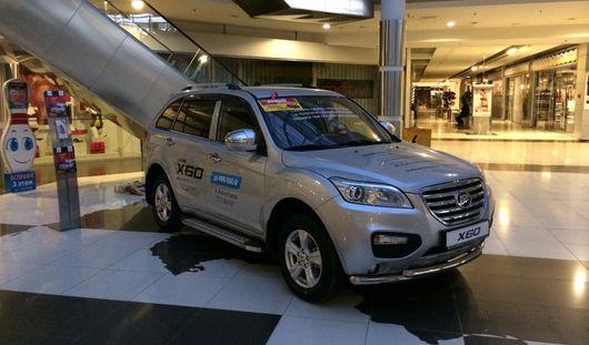 Дурацкий вопрос: как автомобили попадают в торговые центры Ижевска?