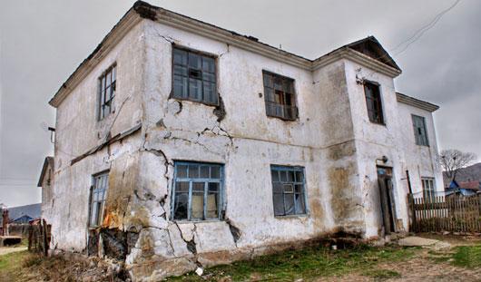 Когда ижевчан переселят из аварийного жилья?