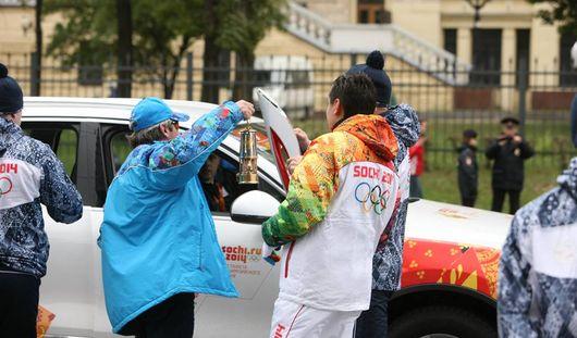 Олимпийские факелы гасли из-за «человеческого фактора»