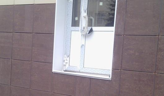 В Ижевске есть «дверное окно»