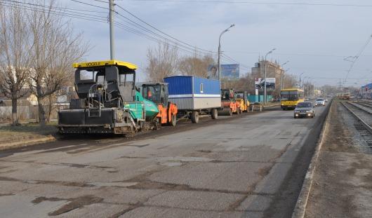 Новые приоритеты и асфальт в один слой: какие дороги отремонтируют в Ижевске летом