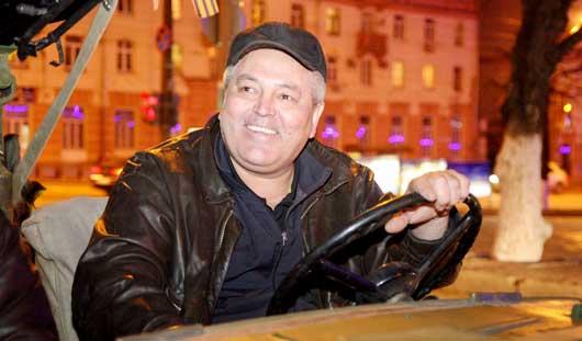 Во главе Парада Победы: как машина времен ВОВ стала семейным авто  ижевчанина